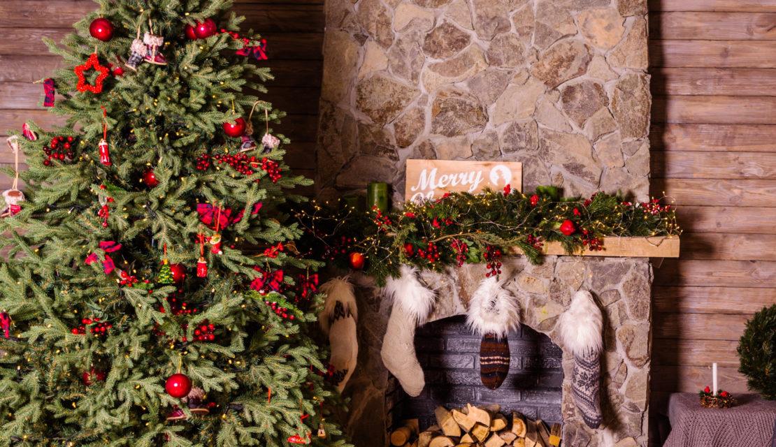 Idee di tendenza per decorare l'albero di Natale